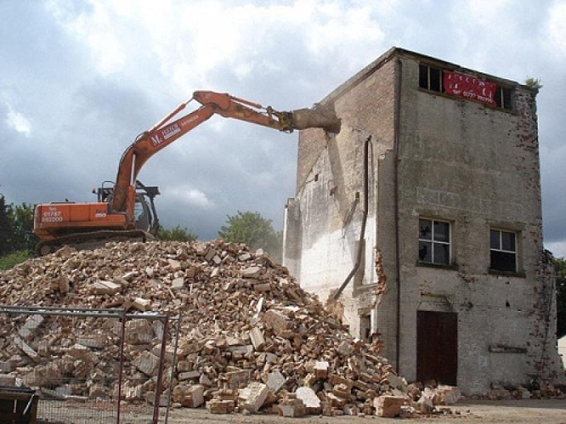 phá dỡ công trình tại Huyện Nhà Bè