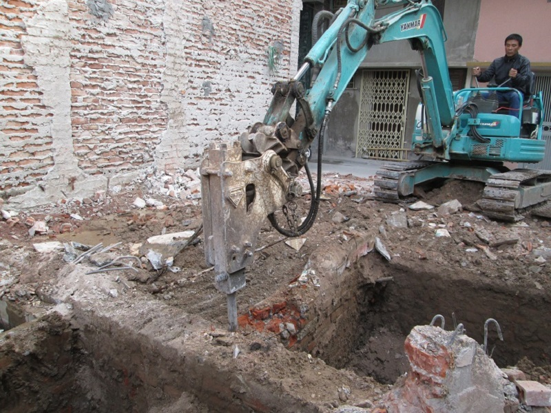 phá dỡ hoặc tháo dỡ công trình